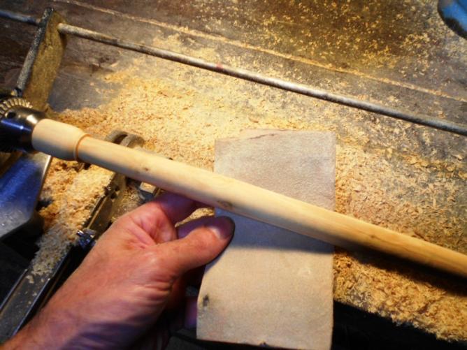 24 et le poncer avec du papier abrasir gros grains