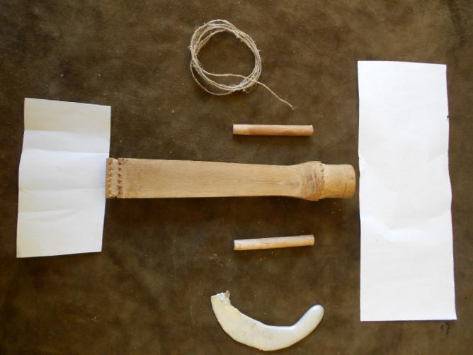 43 Préparer les caches en papier fort.