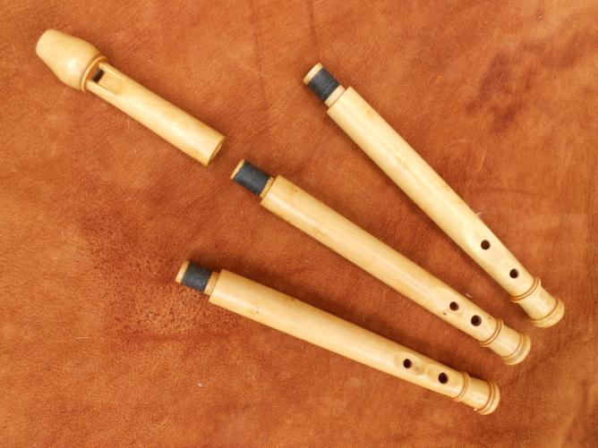 flabuta 3 corps (doigtés flûtet renaissance, txirula, galoubet) buis